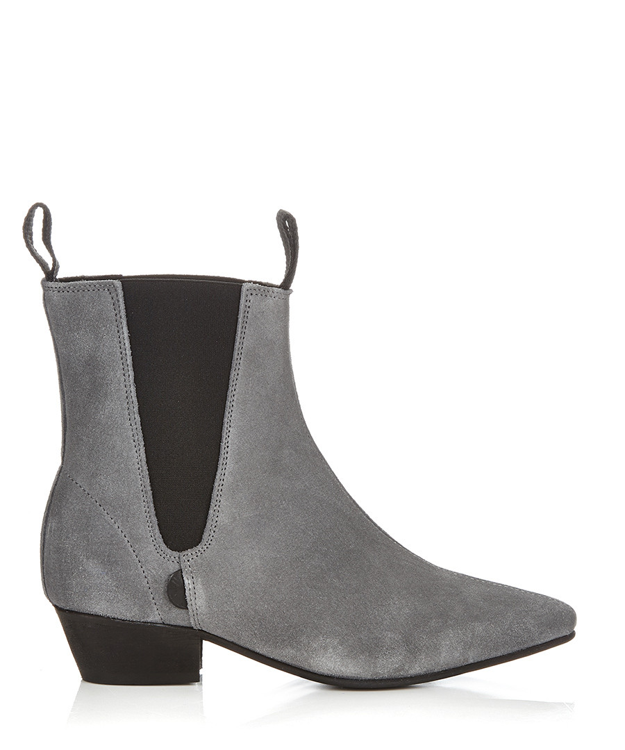 Perfect  Brightly Coloured Accents Come In The Form Of Yellow Inserts On A Pair Of Classic Navy Suede Chelsea Boots 3 Bottega Veneta Chelsea Boot $770 These Shadow Grey, Buffalo Leather Chelsea Boots Feature A Topline Pull Tab And Have