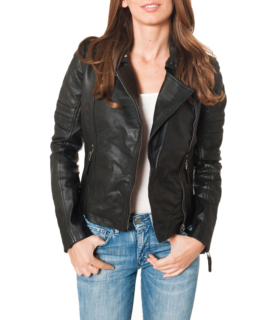 Shop for the latest women's leather jackets online at The ICONIC. Level up your style this season with a luxe leather jacket from THE ICONIC. Enjoy free & fast shipping to Australia & New Zealand.